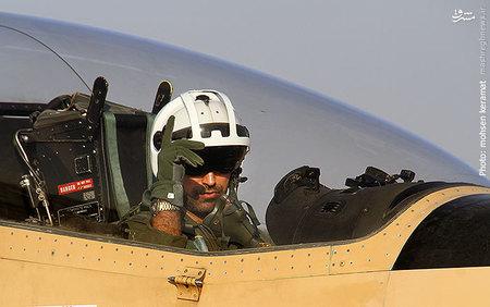 خلبان هواپیمای توکانوی سپاه