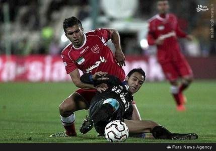 resized 800513 597 عکس/ دیدار تیمهای استقلال و پرسپولیس