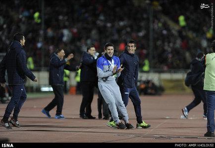 resized 800593 774 عکس/ دیدار تیمهای استقلال و پرسپولیس