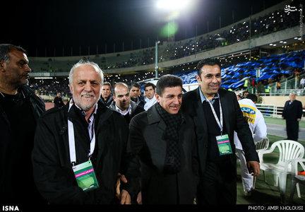 resized 800596 460 عکس/ دیدار تیمهای استقلال و پرسپولیس