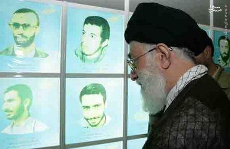 بازدید رهبر معظم انقلاب از موزه دفاع مقدس کرمان