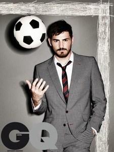 ایکر کاسیاس(ملیت: اسپانیایی-باشگاه: رئال مادرید):