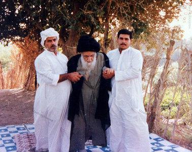 آیت الله العظمی سید ابوالقاسم خویی در واپسین سالیان حیات