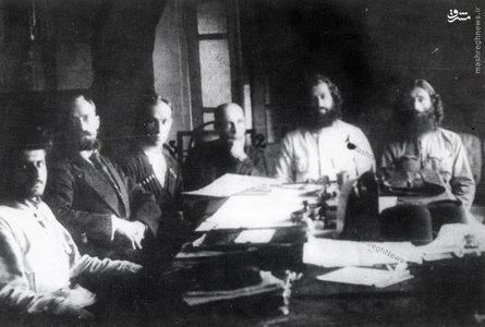 میرزا کوچک خان جنگلی در مذاکره با نمایندگان دولت روسیه
