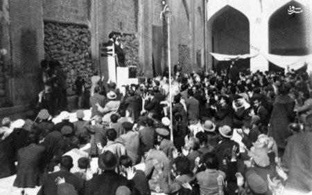 شهيد آيت الله دستغيب در حال سخنراني در مسجد عتيق شيراز