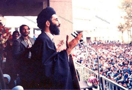 آذر 1357، آیت الله خامنهای در یکی از سخنرانیهای خود در جمع تحصن کنندگان بیمارستان امام رضا (ع) در مشهد