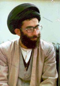 آذر 1357، آیت الله خامنهای در حاشیه تحصن در بیمارستان امام رضا (ع) در مشهد