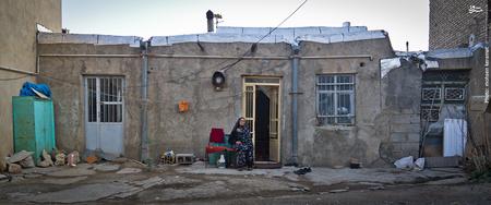 نمایی از منزل خانم اختر نیازپور،مادر شهید محمدجعفر رضایی