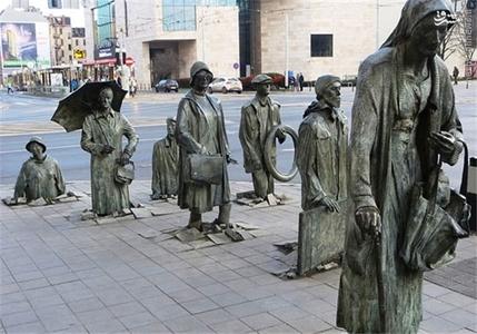 لهستان؛ بنای یادبود رهگذران ناشناس