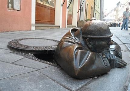 اسلوواکی؛ مرد در محل کار