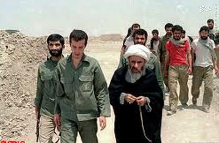 آیت الله جمی در روزهای جنگ تحمیلی همراه با شهید حسن باقری