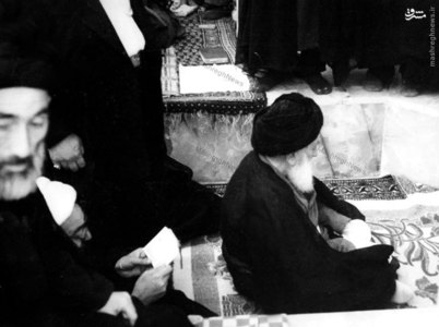 آيت الله العظمي بروجردي در محراب مسجد اعظم قم