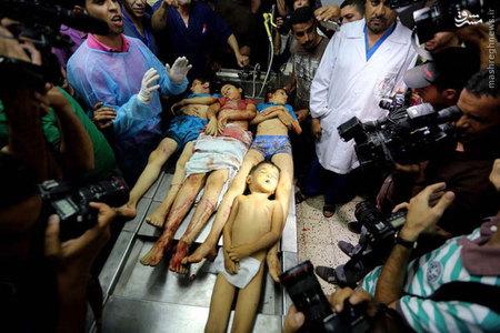 اجساد كودكان كشته شده در حمله هوايي اسرائيل به غزه