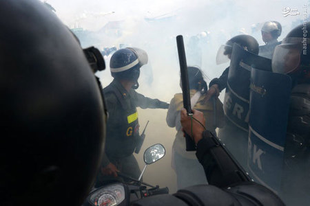 درگيري معترضان با پليس در كامبوج