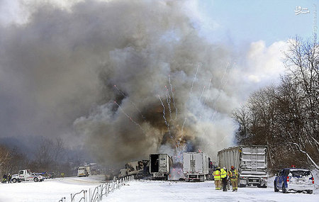 resized 855925 552 تصادفی که منجر به آتشبازی شد / تصاویر