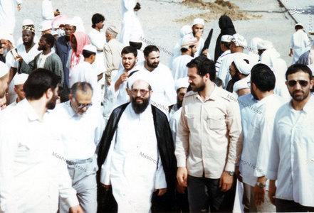 استاد سید جعفر شهیدی در سفر حج به اتفاق آیت الله محمدی ری شهری