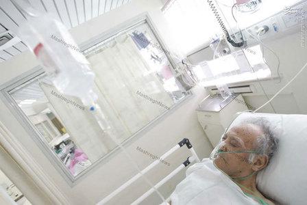 استاد سید جعفر شهیدی در بستر بیماری