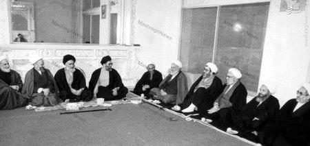 دیدار اعضای جامعه مدرسین حوزه علمیه قم با آیت الله خامنه ای در دوران ریاست جمهوری