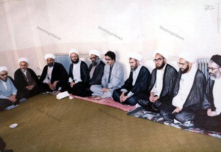 دیدار ابوالحسن بنی صدر رئیس جمهور وقت با اعضای جامعه مدرسین حوزه علمیه قم