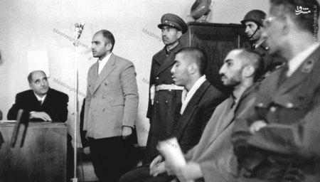 سید هادی میرلوحی برادر شهید نواب صفوی در حال ایراد دفاعیات خود در دادگاه نظامی