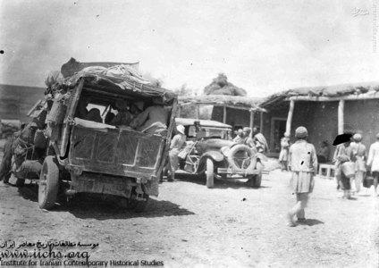 ماشین بارکش و مسافرکش لاری که از بدترین و مردم آزارترین نوع مسافرکشهای اولیه بود