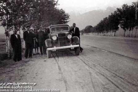 راه شمیران به طهران 1325 عزیزالله قدسی با خانواده