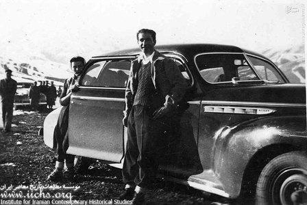 محمدرضا پهلوی و فوزیه با اتومبیل سلطنتی در شمشک