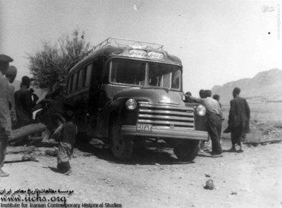 خط اتوبوسرانی جاپلق ـ نورآباد در روستاهای ایران و استفاده روستاییان از این مظهر تمدن