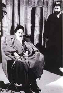 بهمن 1358، امام خمینی به اتفاق مرحوم حاج سید احمد خمینی در بیمارستان قلب تهران