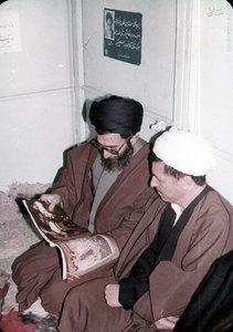 آیت الله خامنه ای و آیت الله هاشمی رفسنجانی در دفترمرکزی حزب جمهوری اسلامی