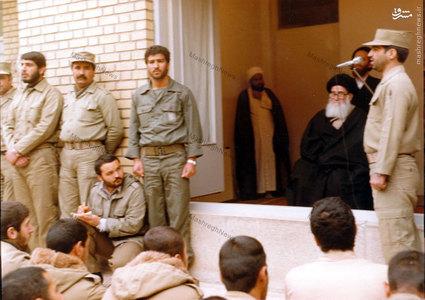 آیت الله العظمی سیدمحمدرضا گلپایگانی در دیدار با برخی پرسنل ارتش جمهوری اسلامی