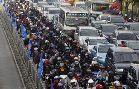 جاکارتا، اندونزی؛ 33240 توقف و حرکت