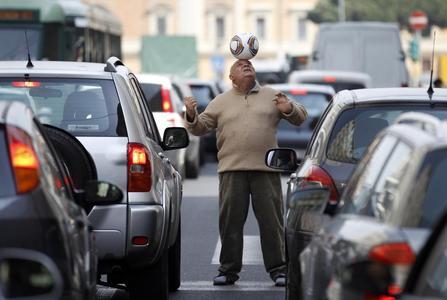 رم، ایتالیا؛ 28680 توقف و حرکت