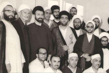 استاد محمدتقی شریعتی در کنار شهیدان آیات: مطهری، بهشتی و محلاتی در سفر حج