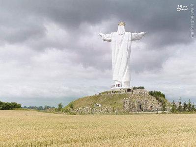 عیسی مسیح پادشاه، 36 متر، ساخته شده در سال 2010، شوویبودزن، لهستان