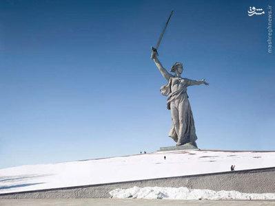 ندای سرزمین مادری، 87 متر، ساخته شده در سال 1967، ولگوگراد، روسیه