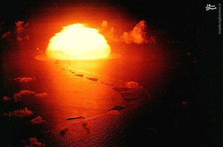 در بهار سال 1951، چهار آزمایش انفجار در اقیانوس آرام صورت می گیرد. این عکس از سومین انفجار است. در تاریخ 9 می 1951. آزمایش اولین بمب هیدروژنی