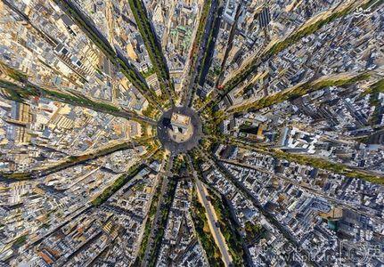 میدان پیروزی در پاریس فرانسه