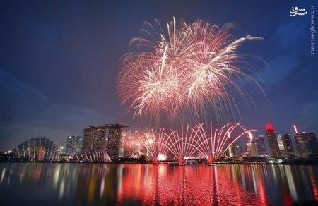 آتش بازی در خلیج «مرینا» هنگام جشن در سنگاپور