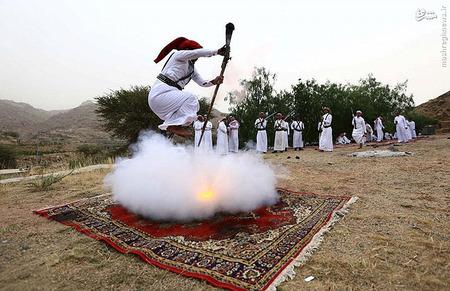 مراسم سنت عجیب و خطرناک «رقص باروت» در منطقه حجاز عربستان