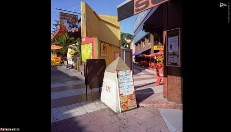 مرز بین لوپِرتو و لوس لیمیتِس (2010)-  این روستا به عنوان یک مرکز خرید در 365 روز سال باز است. پست مرزی 576 بین فرانسه و اسپانیا را در این روستا مشاهده میکنید که منوی یک کافه به آن تکیه داده است