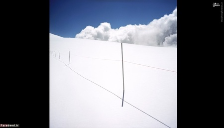 گوبا دی رولین، بین سوئیس و ایتالیا (2008) -  مرز ایتالیا و سوئیس در عصر ناپلئون مشخص شد. بیشتر این مرز از ارتفاعات آلپ میگذرد و از نقاط پستتر مانند دریاچه ماجیوره در سوئیس نیز گذر میکند.