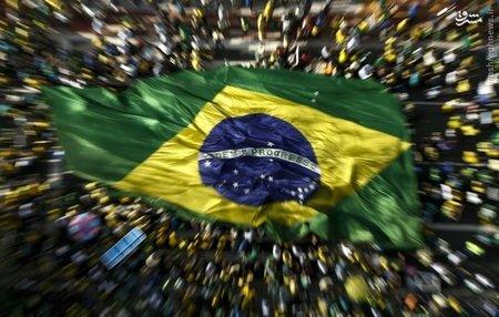 تظاهرات مردم برزیل علیه رئیس جمهور این کشور در خیابان های «سائوپائولو»