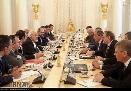 محمدجواد ظریف وزیر امور خارجه ایران امروز (دوشنبه) وارد مسکو شد و با سرگئی لاوروف وزیر خارجه روسیه دیدار و مذاکره کرد