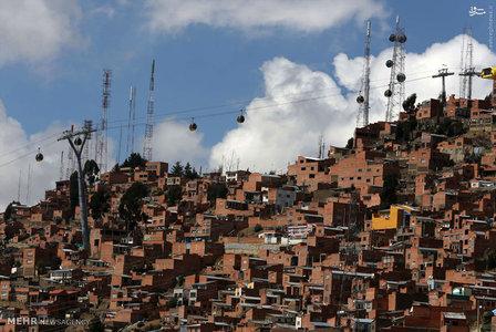 دولت بولیوی در ابتکاری جالب توجه برای حل مشکلات حمل و نقل در شهر لاپاز، اقدام به راه اندازی بزرگ ترین سیستم خودروهای کابلی هوایی جهان کرده است