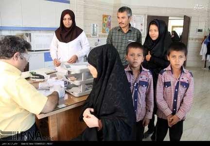 معاینه پزشکی و سنجش سلامت ورود به مدرسه برای دانش آموزان افغان که بصورت مجازو غیرمجاز در استان اصفهان سکونت دارند از 14 مرداد امسال در مراکز بهداشتی درمانی شهرستانهای این استان آغاز شده است