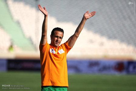 resized 1192698 451 - عکس/ دیدار تیم های فوتبال منتخب ستارگان ایران و جهان