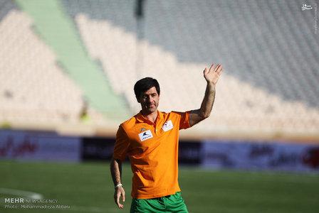 resized 1192700 618 - عکس/ دیدار تیم های فوتبال منتخب ستارگان ایران و جهان
