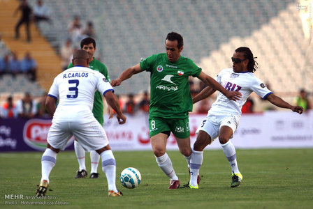 resized 1192709 176 - عکس/ دیدار تیم های فوتبال منتخب ستارگان ایران و جهان