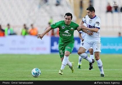 resized 1192711 715 - عکس/ دیدار تیم های فوتبال منتخب ستارگان ایران و جهان